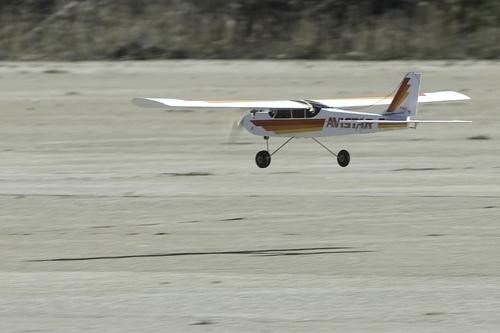 Rc Vliegtuig Landen
